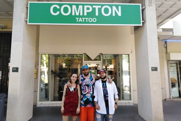 Un tatoueur réputé ouvre son salon dans le centre