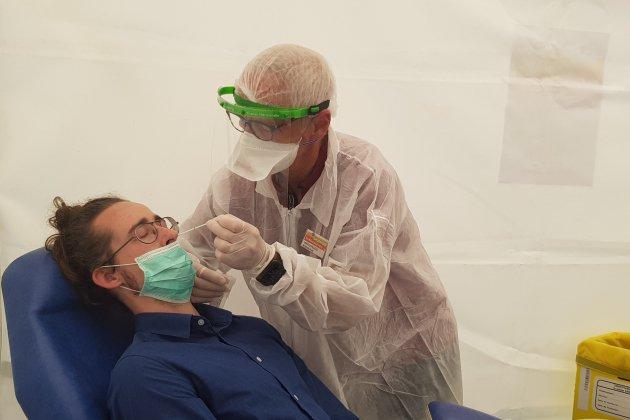 Moins de 10 tests positifs au Covid-19 pour 3700 dépistages