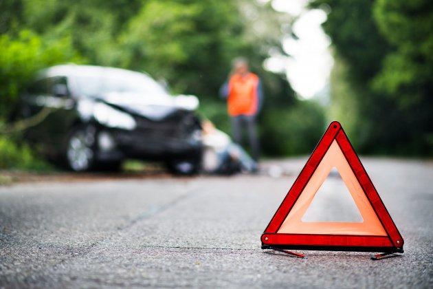 Un mort et un blessé grave dans une collision entre deux véhicules
