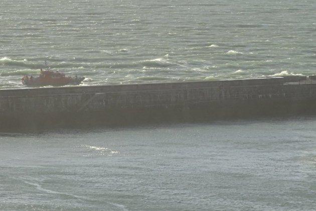 Un adolescent de 14 ans, emporté par les vagues, porté disparu