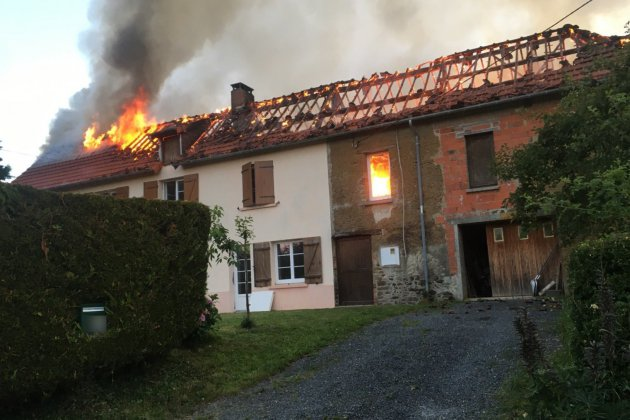 32 sapeurs-pompiers mobilisés sur l'incendie d'une maison