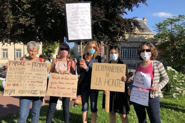 Rassemblement contre la nomination de Darmanin et Dupont-Moretti