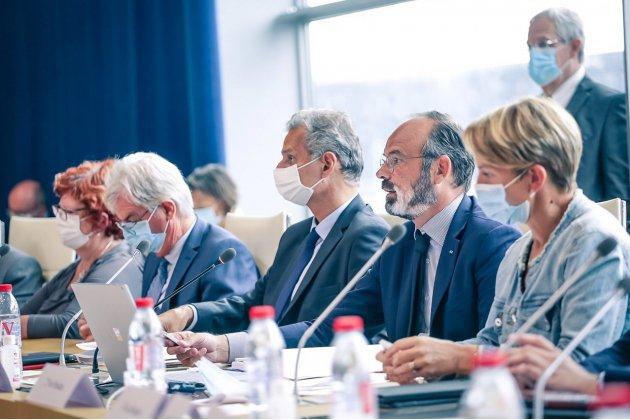 Édouard Philippe élu à la tête de la communauté urbaine du Havre
