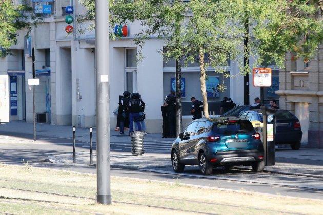 Prise d'otages dans une banque: le forcené s'est rendu