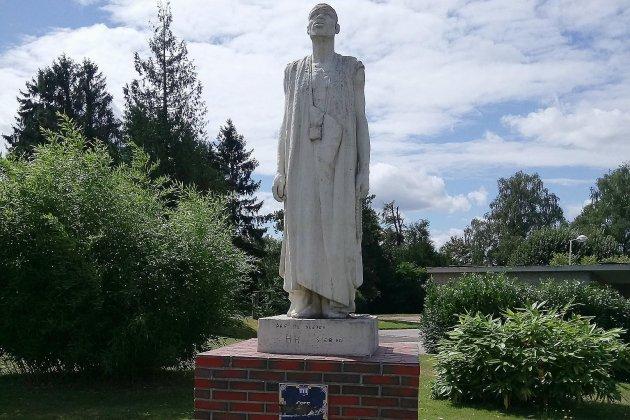 Une statue dégradée à Barentin avec des inscriptions racistes