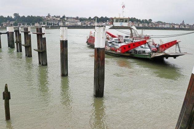 Traversée de la Seine: un nouveau ponton pour le nouveau bac