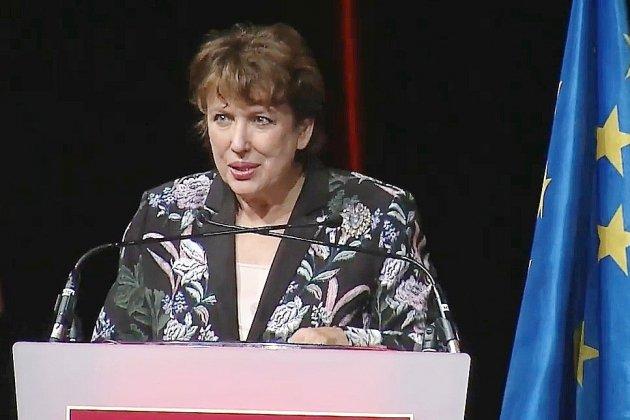 Roselyne Bachelot au 75e congrès des cinémas français