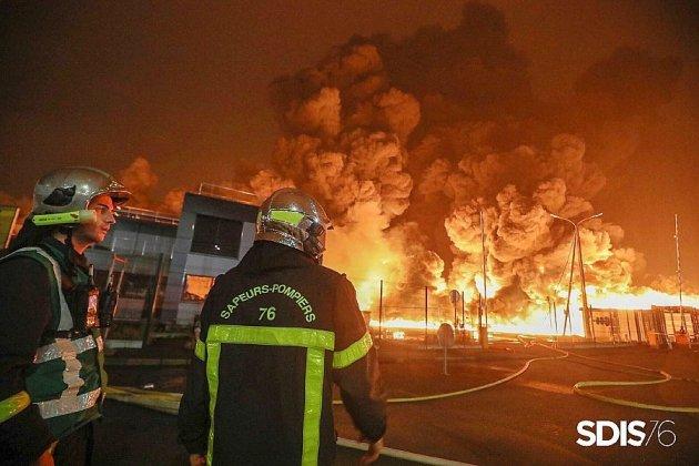 """""""Lubrizol a remplacé le matériel des pompiers détruit dans l'incendie"""""""