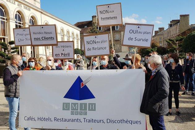 Covid-19: des patrons de bars, hôtels, restaurants descendent dans la rue crier leur inquiétude
