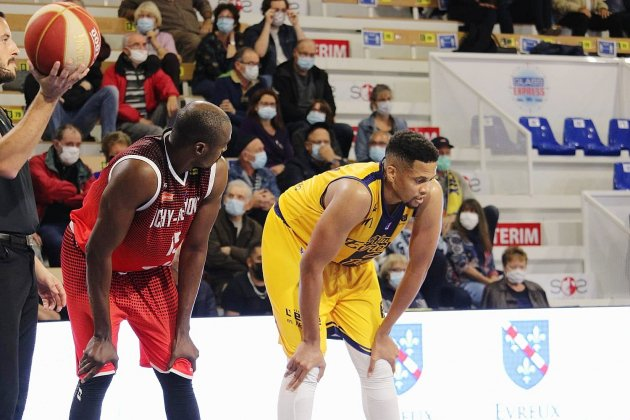 Basket-ball : l'ALM Evreux débute sa saison par une défaite contre Vichy