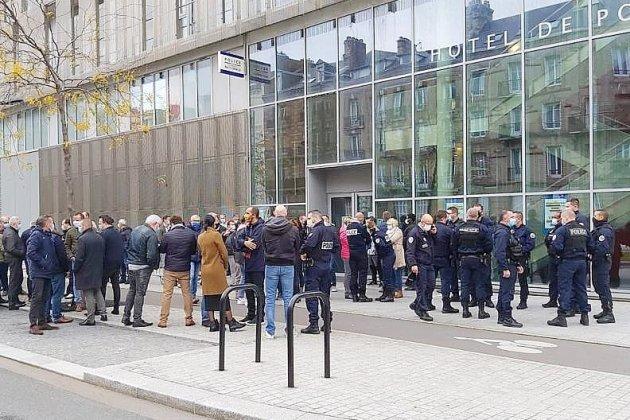 Les policiers mobilisés en soutien à leurs collègues agressés