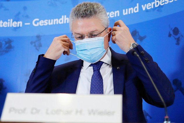 L'Allemagne, frappée par la deuxième vague du virus, hésite sur la riposte