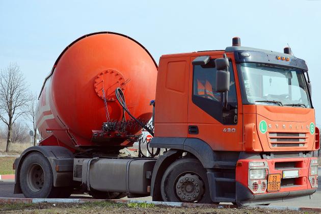 Un camion perd sa citerne sur la route, la RN31 fermée