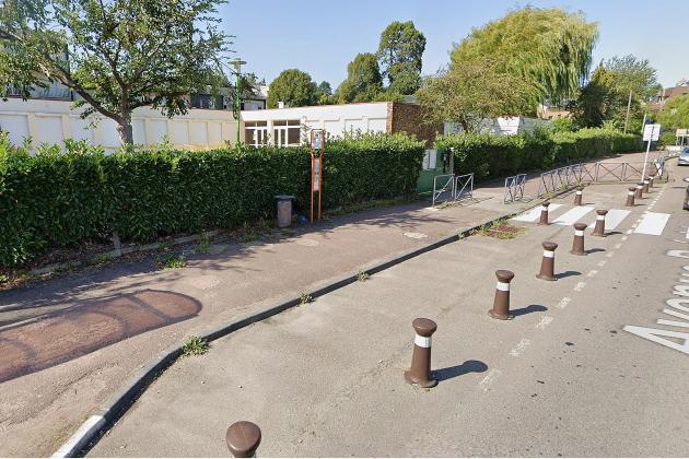 Un colis suspect découvert devant une école