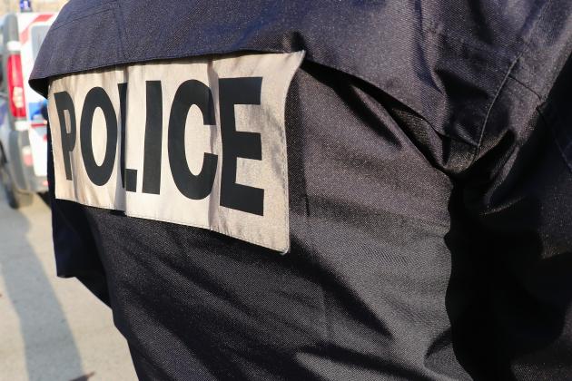 Policier mutilé en manifestation: deux personnes mises en examen
