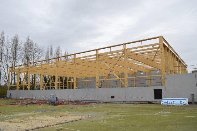 Le toit de la halle sportive Saint-Jean-Eudes bientôt posé