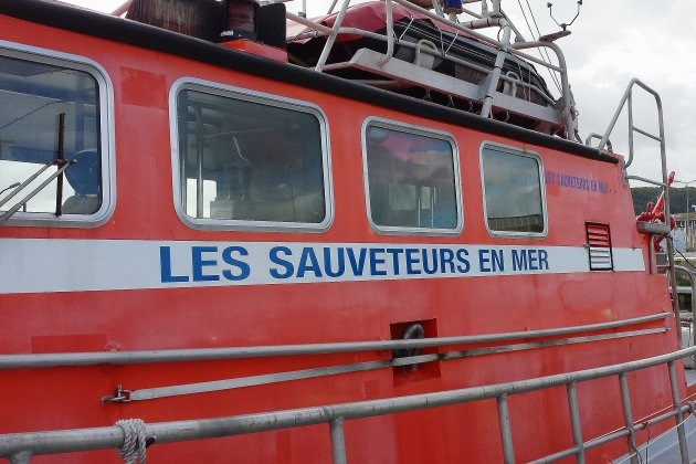Un marinen difficulté sur un bateau néerlandais: les sauveteurs mobilisés