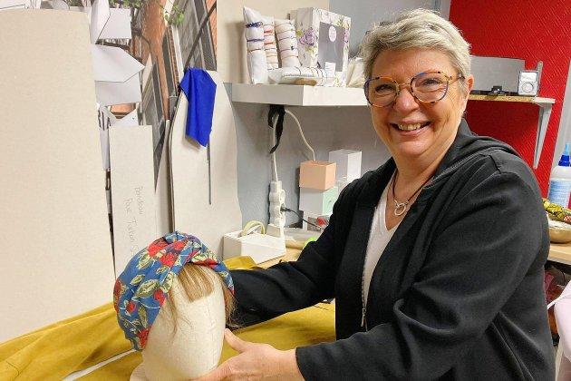 Une marque d'accessoires de tête pour les femmes atteintes du cancer
