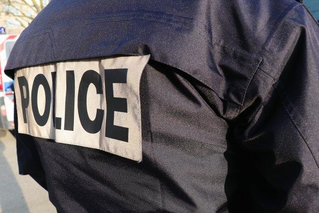 Meurtre à coups de bûche: le suspect mis en examen et écroué