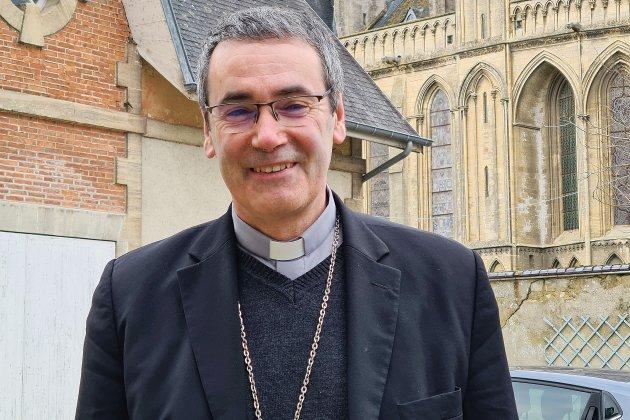 """Installation de l'évêque Mgr Habert à Bayeux:""""Un quart de la cathédrale seulement sera occupé"""""""