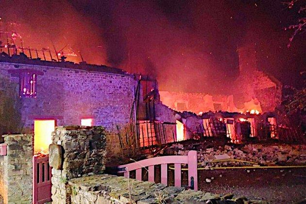 Une longère détruite par le feu, le locatairen'était pas dans la maison