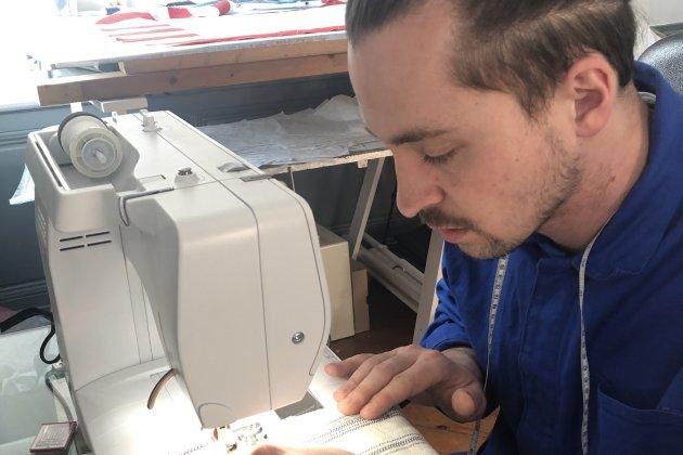 À 27 ans, Léo Dicecca s'est piqué d'amour pour la couture