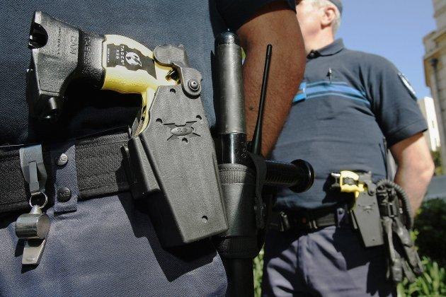 Un jeune s'en prend à un policier municipal, il est maîtrisé au taser
