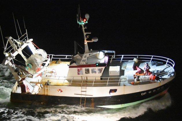 Cinq marins-pêcheurs secourusaprès une voie d'eau sur leur navire