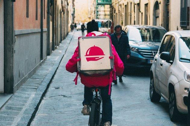 Les sacs de livreurs plébiscitéssur les sites de vente en ligne