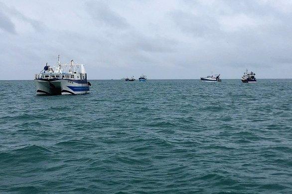 """Les pêcheurs français mobilisés: """"On demande juste à travailler comme avant"""""""