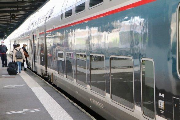 Câbles endommagés: 800 passagers bloqués, la SNCF porte plainte