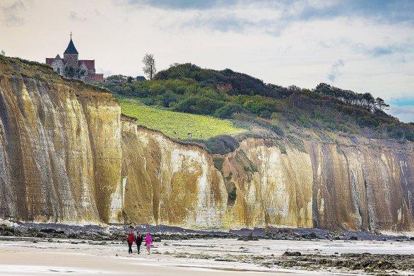 Varengeville-sur-Mer: un village chargé d'histoire où la nature est en éveil