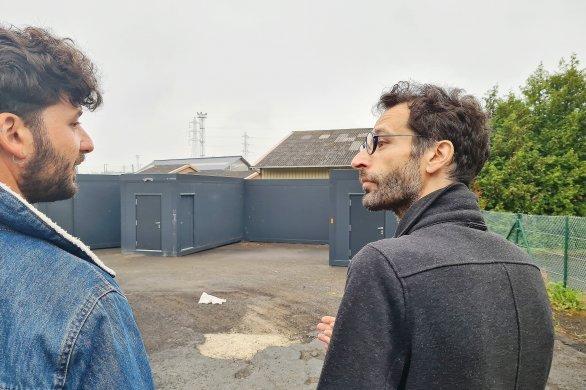Un village mobile pour sans-abri s'est installé rue du Marais