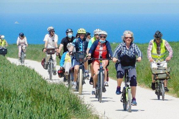 À bicyclette... Découvrez les plages du Débarquementautrement