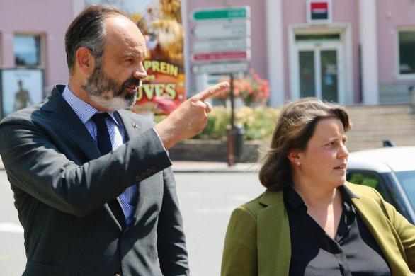 Édouard Philippe rend visite à la maire Emmanuelle Lejeune