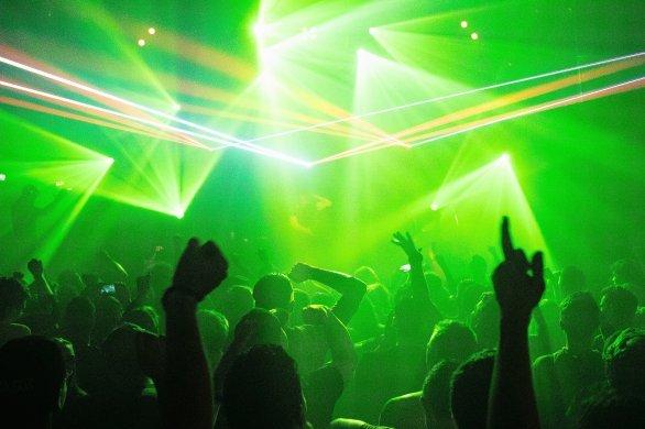 Pays-Bas: une soiréeen discothèquetourne au cluster