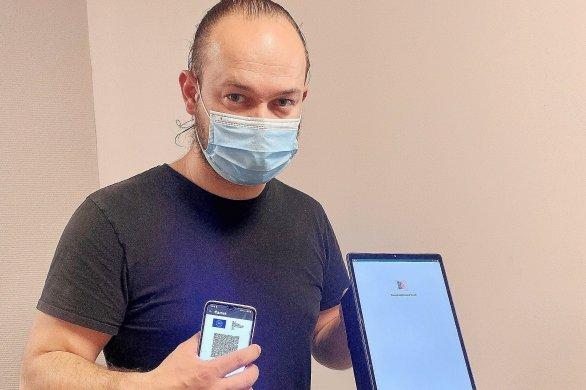UnNormand créeune borne pourscanner les pass sanitaires