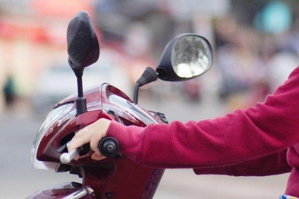 Un adolescenten scooter grièvement blessé après une collision