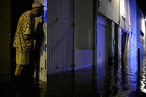 """""""Tout est inondé"""": Pluies diluviennes sur Agen, pas de victimes"""