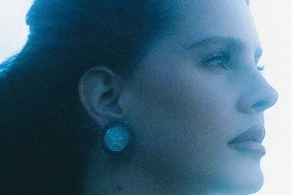 Lana Del Rey dévoile un nouveau clip et annonce un album