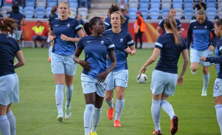 Viviane Asseyi, la petite Rouennaise de l'équipe de France de foot