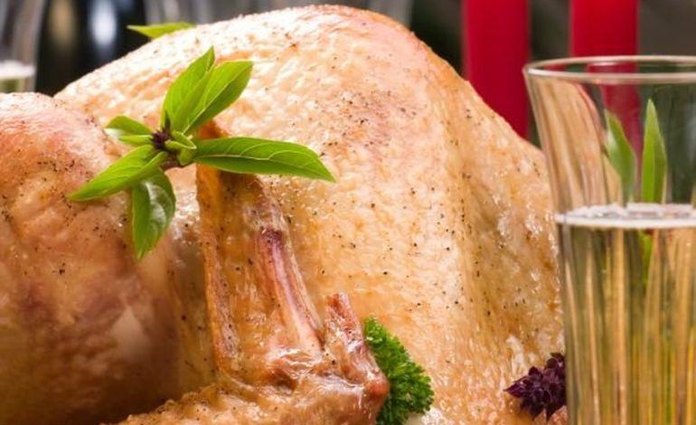 Un service traiteur ou des plats préparés sur la table de Noël de plus d'un Français sur cinq