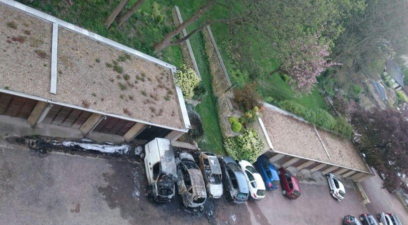 Caen dix v hicules incendi s la nuit derni re photos for Garage voiture caen