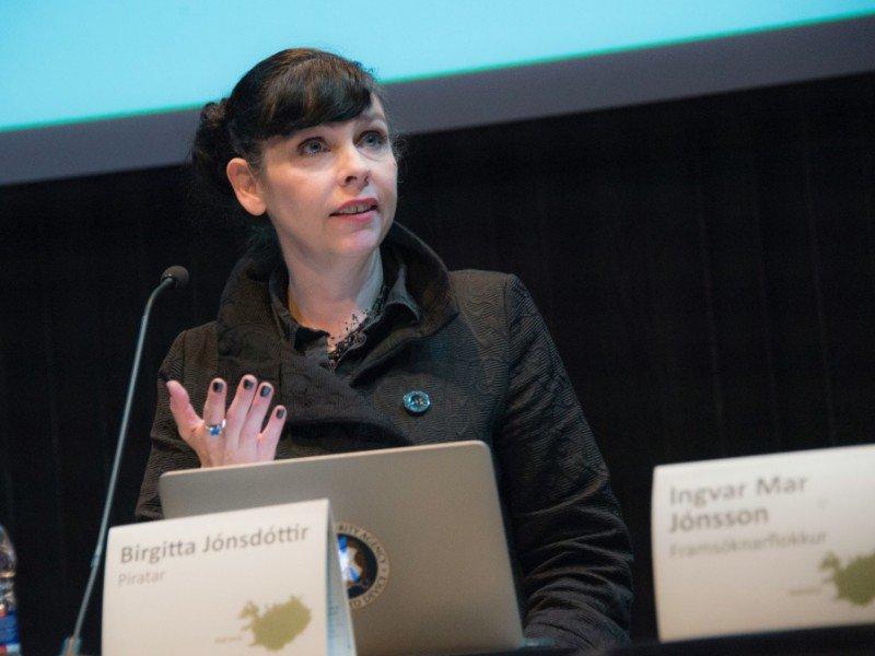 Birgitta Jonsdottir du parti Pirate participe à un débat à Reykjavik, en Islande, le 24 octobre 2016    Halldor KOLBEINS [AFP]