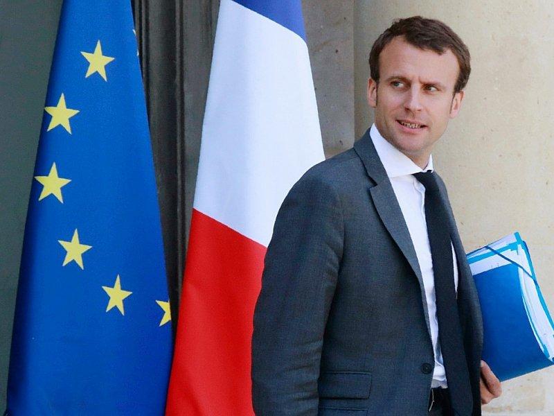 Emmanuel Macron à la sortie de l'Elysée le  23 juillet 201 à Paris - JACQUES DEMARTHON [AFP]