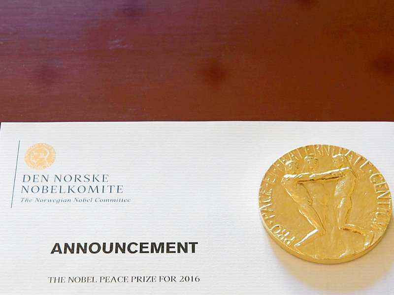 Un document à l'Institut  Nobel à Oslo le 9 décembre 2016