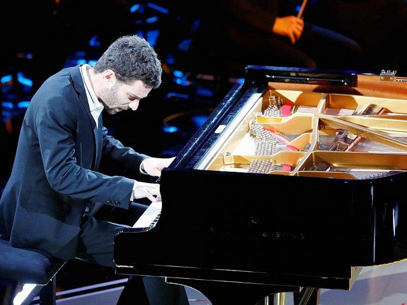 """Le pianiste Adam Laloum lors des """"Victoires de la musique classique"""" le 1er février 2017    FRANCOIS GUILLOT [AFP]"""