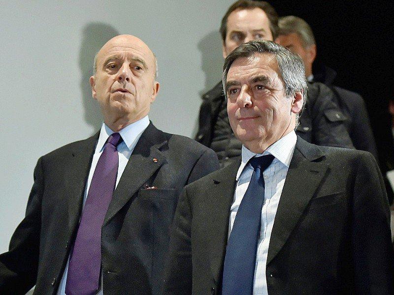 Alain Juppé et François Fillon le 25 janvier 2017 à Bordeaux    GEORGES GOBET [AFP/Archives]