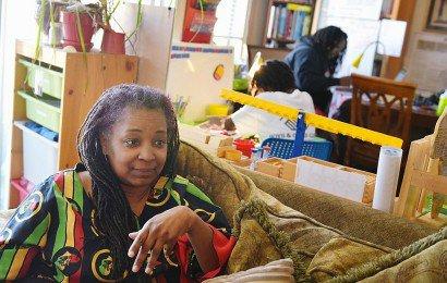 Monica Utsey, une Américaine dont les enfants sont scolarisés à domicile, à Washington, le 24 février 2017    MANDEL NGAN [AFP]