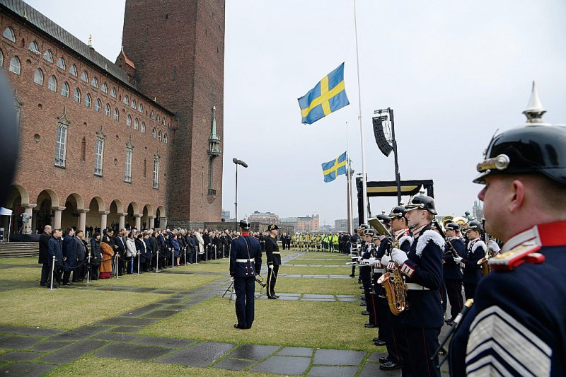 La cérémonie officielle devant l'Hôtel de ville de Stockholm, le 10 avril 2017, en hommage aux victimes de l'attentat    Anders WIKLUND [TT News Agency/AFP]